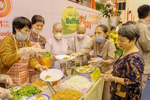 Gần 5 tỷ đồng ủng hộ quỹ 'Vì người nghèo' qua Lễ hội buffet chay