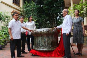 Bảo tàng Quảng Ninh tiếp nhận hiện vật gốm sứ Móng Cái