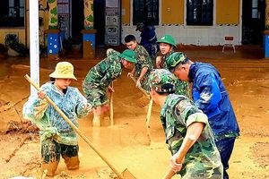 Hướng Việt đứng dậy sau lũ