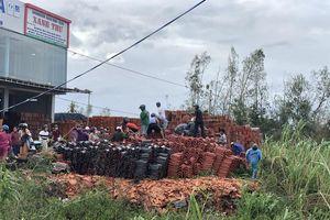 Quảng Ngãi: Giá ngói, tôn tăng bất thường sau bão số 9