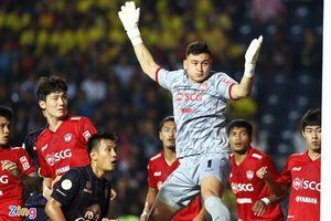 Văn Lâm vào đội hình tiêu biểu sau trận tâm điểm ở Thai League