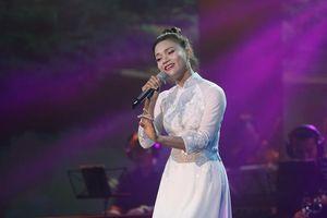 Đêm nhạc 'Cho người trong giông bão' quyên góp được hơn 1 tỷ đồng ủng hộ miền Trung