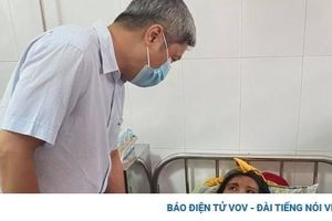 Điều trị thuốc tốt nhất, trợ giúp tâm lý cho các nạn nhân ở Trà Leng