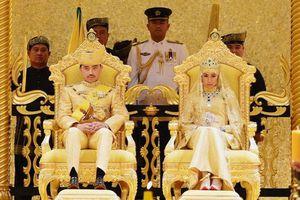 Cuộc sống xa xỉ của hoàng gia Brunei