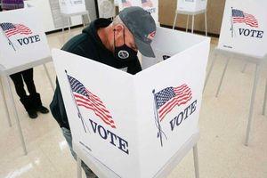 Bầu cử Mỹ 2020: Khó khăn chất chồng và lựa chọn nào cho cử tri?