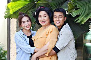 Khả Như chia sẻ về NSND Hồng Vân: 'Lần nào làm phim, mẹ cũng tuột huyết áp như cái cầu trượt'