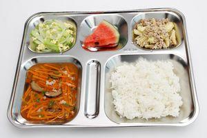 Cải thiện dinh dưỡng trẻ em thông qua bữa ăn học đường