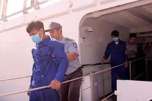 Đưa 6 ngư dân lâm nạn trên biển về đến Cam Ranh