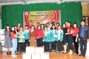 Thầy trò trường THCS Cầu Giấy (Hà Nội) chung tay ủng hộ 'khúc ruột' miền Trung