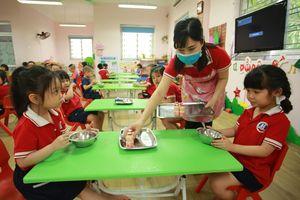 Bữa ăn học đường cải thiện tầm vóc sức khỏe, trí lực trẻ em Việt
