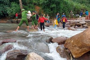 Quảng Bình hỗ trợ đồng bào DTTS khắc phục hậu quả mưa lũ