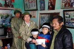 Doanh nhân Nghệ An và Hà Tĩnh tại TP Hồ Chí Minh trao gần 1,2 tỷ đồng cho đồng bào miền Trung khắc phục thiên tai
