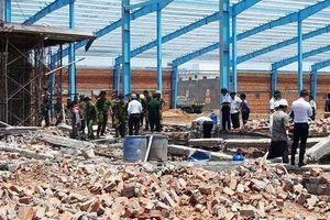 Vụ sập tường ở Vĩnh Long làm 7 người chết: Khởi tố thêm 3 cán bộ