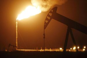 Vàng, dầu biến động trái chiều theo kết quả bầu cử 'giằng co' ở nhiều bang Mỹ