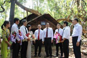 EVNSPC tổ chức Lễ kết nạp 12 đảng viên tại khu di tích đặc biệt quốc gia Tà Thiết