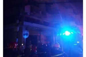 Giải cứu 6 người mắc kẹt trong vụ cháy nhà dân ở quận 11