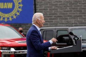 Điều khiến các nhà sản xuất ô tô Mỹ lo ngại nếu Biden thắng cử