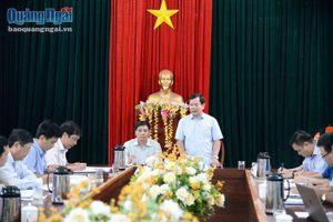 Chủ tịch UBND tỉnh kiểm tra công tác khắc phục sau bão tại Nghĩa Hành và Minh Long