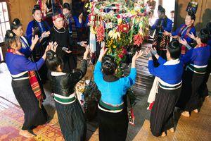 Nghệ thuật xòe Thái: Hồn cốt văn hóa của người Thái ở Tây Bắc