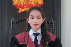 Khoác áo Thẩm phán, những nữ sinh Học viện Tòa án bất ngờ nổi tiếng bởi ngoại hình quá đỗi xinh đẹp