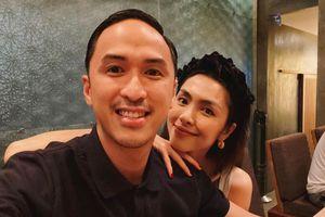 Ông xã Hà Tăng đăng ảnh hẹn hò, tiết lộ món quà đặc biệt kỉ niệm ngày cưới