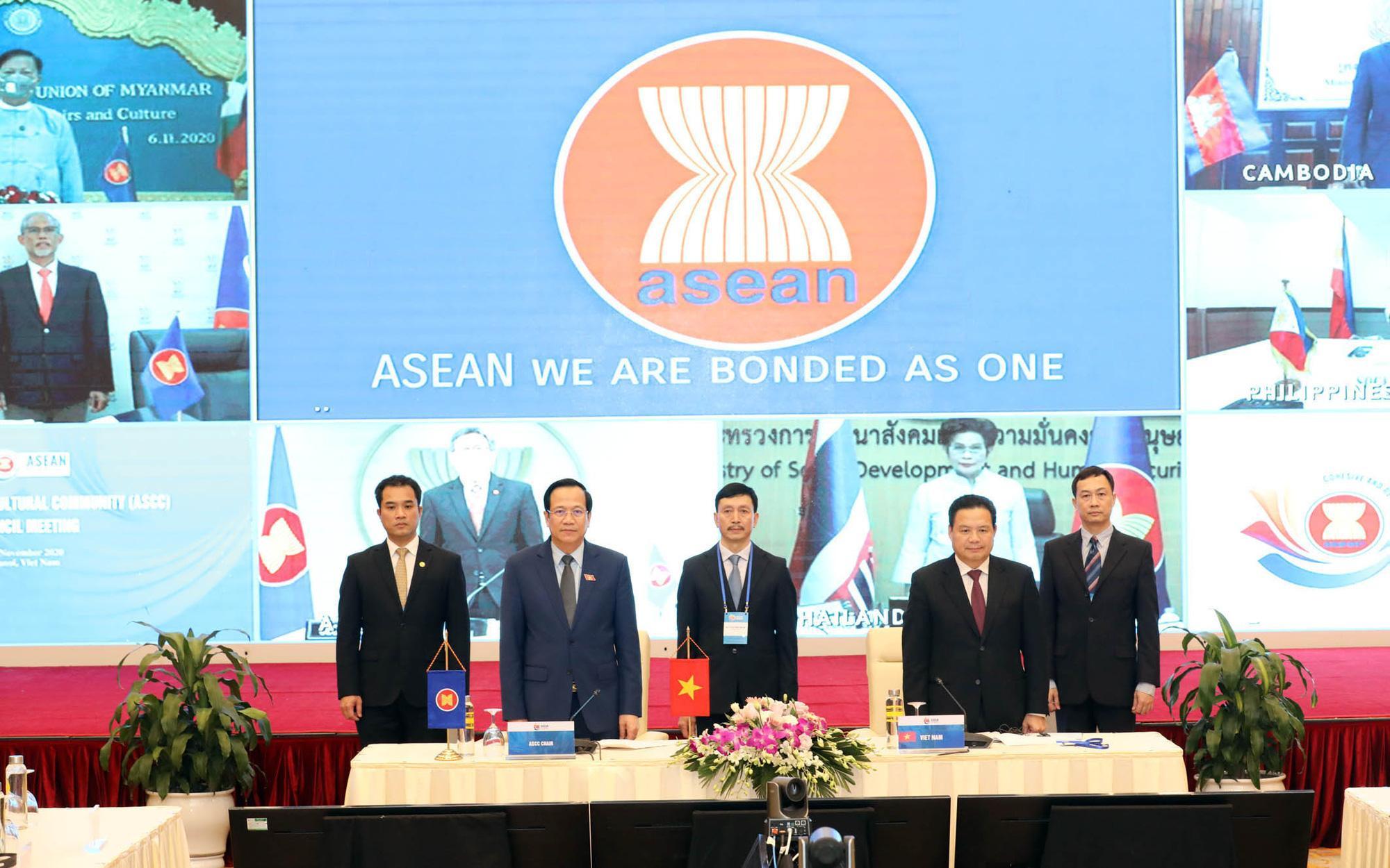 Hợp tác, xây dựng một ASEAN gắn kết, chủ động và thích ứng