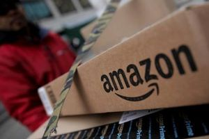 Chồng của cựu giám đốc tài chính Amazon thừa nhận tội danh giao dịch nội gián
