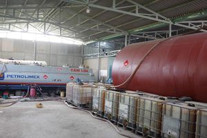 Đường dây sản xuất xăng giả tại Bà Rịa-Vũng Tàu bị triệt phá thế nào?