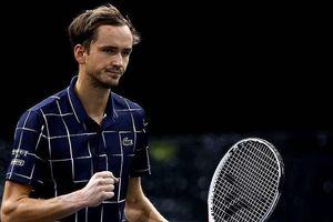 Tay vợt người Nga lọt vào bán kết Paris Masters SFs