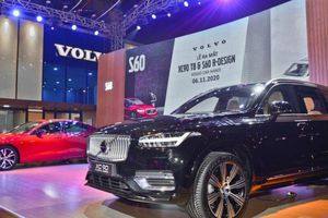 Volvo XC90 T8 Recharge và S60 R-Design chính thức ra mắt tại Hà Nội