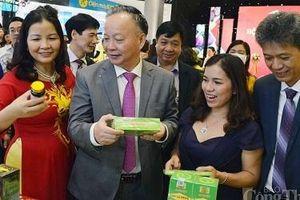 Khai mạc Hội chợ 'Xúc tiến thương mại nông nghiệp, sản phẩm OCOP Hà Nội 2020'