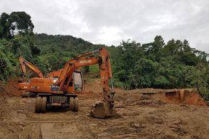 Quảng Trị: Cấm đường theo khung giờ để khắc phục sạt lở núi