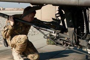 Apache nã đạn vào xưởng sửa chữa khi đang bảo dưỡng