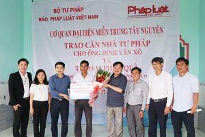 Báo Pháp luật Việt Nam trao 'Căn nhà Tư pháp'