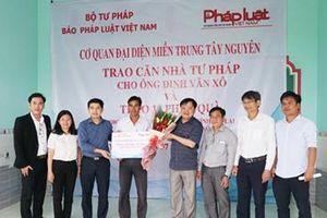 CQĐD miền Trung – Tây Nguyên Báo Pháp luật Việt Nam trao 'Mái ấm' cho cán bộ tư pháp có hoàn cảnh khó khăn