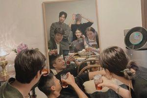 Dàn sao 'Quân vương bất diệt' tụ họp nhậu nhẹt: Kim Go Eun trổ tài chụp ảnh cho Lee Min Ho