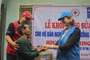 Khởi công sửa chữa 5 căn nhà đầu tiên cho người dân vùng bão lụt