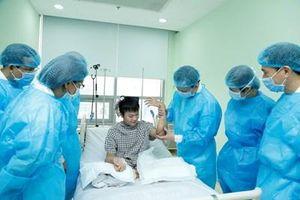 Thành tựu mới của các thầy thuốc quân đội