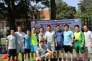 Sôi nổi giải bóng đá giao hữu Bộ GD&ĐT chào mừng Ngày Nhà giáo Việt Nam