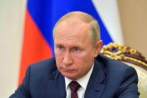 Tổng thống Nga Putin bãi chức 2 bộ trưởng