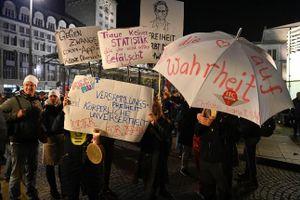 Đức: Biểu tình bạo lực ở Leipzig phản đối các biện pháp chống COVID-19