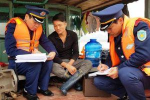 Phương tiện thủy 'nhiều không' vô tư hoạt động ở Thanh Hóa