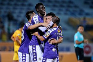 Hà Nội FC chia tay Omar, giữ chân Tấn Tài, Tấn Trường