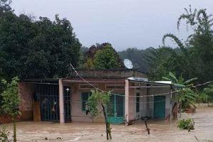 Đắk Lắk: Ảnh hưởng bão số 12, hàng nghìn hộ dân bị cô lập bởi mưa lũ