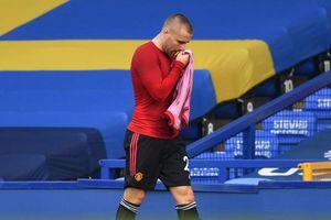Man Utd mất Luke Shaw trong 10 trận