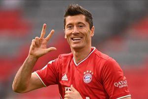Lewandowski có lần thứ hai vượt mặt Ronaldo và Messi