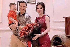 Vợ cũ Việt Anh than một mình nuôi con quá cực vì bệnh hoài