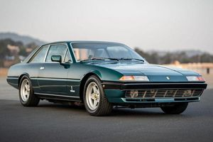 Ferrari 400i động cơ V12 hàng hiếm này chỉ dưới 100.000 USD