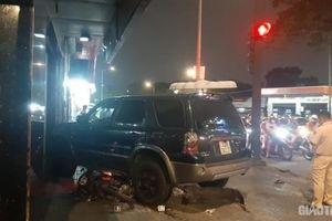 Tai nạn giao thông chiều 11/11: Tài xế nhầm chân ga, điều khiển ô tô đâm 4 người nằm gục giữa phố