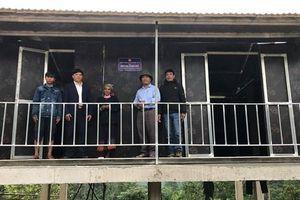 Quảng Bình: Bàn giao 2 nhà Đại đoàn kết cho gia đình người Khùa